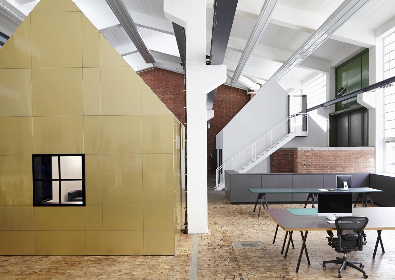 Werkplek Een Oude Ijzerfabriek Wordt Een Studio